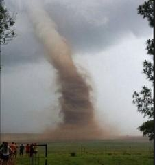 VIDEO e FOTO del tornado a Vryheid in Sud Africa