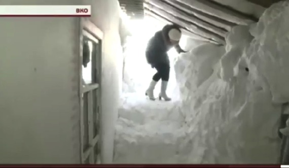 Case sepolte dalla NEVE in Kazakistan. FOTO e VIDEO