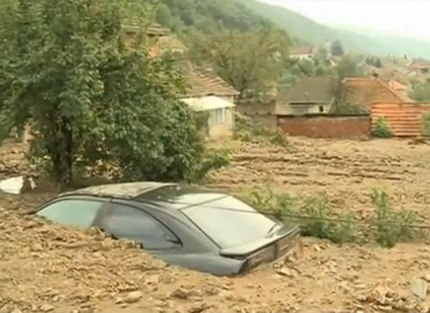ALLUVIONI in Serbia, c'è una vittima. Ecco un VIDEO incredibile!